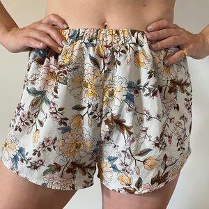 🍯3/$20🍯 Floral Summer Shorts